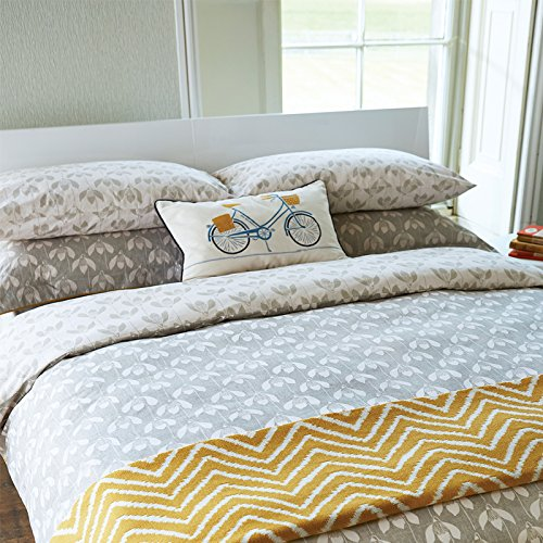 scion-bedding-snow-drop-housewife-pillowcases-pairs-parchment