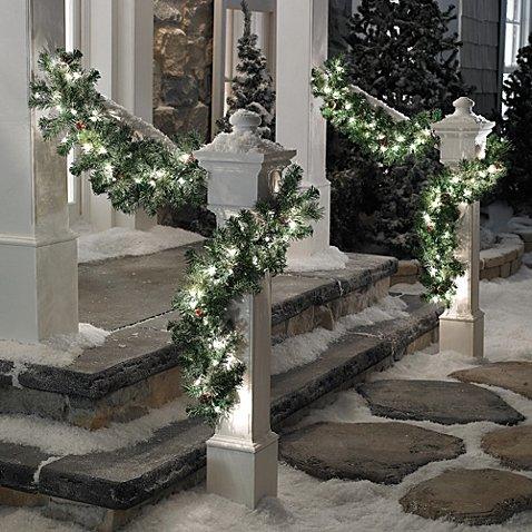 Traditional 6-Foot Pre-lit Christmas Garland With 50 Incandescent Lights (Set of 2)