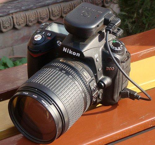 MetaGPS M1 C90 Compact Geotagging Unit for Select Nikon DSLR Cameras