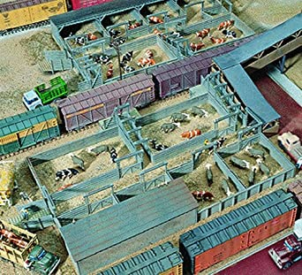 Walthers Cornerstone Series Kit HO Scale Stockyard