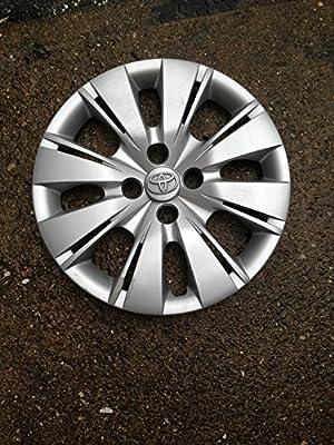 "Genuine Toyota (42602-52520) 15"" Wheel Cover"