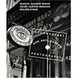 Documentary and Anti-graphic Photographs Reconstitution de l'exposition de 1935 � la Galerie Julien Levy de New Yorkpar Henri Cartier-Bresson