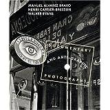 Documentary and Anti-graphic Photographs Reconstitution de l'exposition de 1935 � la Galerie Julien Levy de New Yorkpar Henri Cartier-Bresson