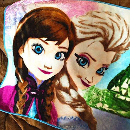 Disney Frozen Blanket 31 X 39 Inches, Happy Family (B)