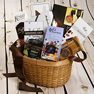 Chocolate Lover's Classic Gift Basket (2 pound)
