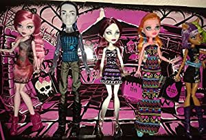 Amazon.com: Monster High Fangin' At The Maul 5 Pack Featuring