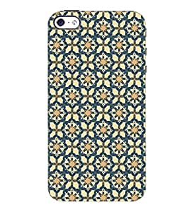 PrintDhaba Pattern D-5355 Back Case Cover for APPLE IPHONE 4S (Multi-Coloured)