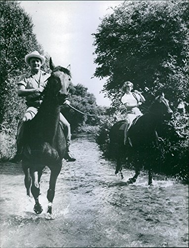 vintage-photo-of-pierre-balmain-is-riding-a-horse1966