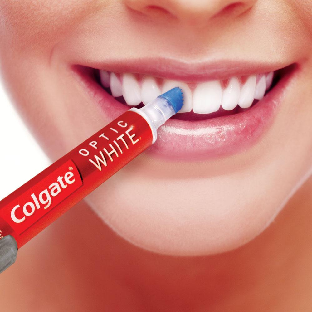 Colgate Colgate Optic White Soft Head Toothbrush With
