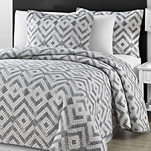 Comfy Bedding Chevron Quilted Cotton Filled Gray & White 3-Piece Coverlet Set (King/Cali King, Gray)