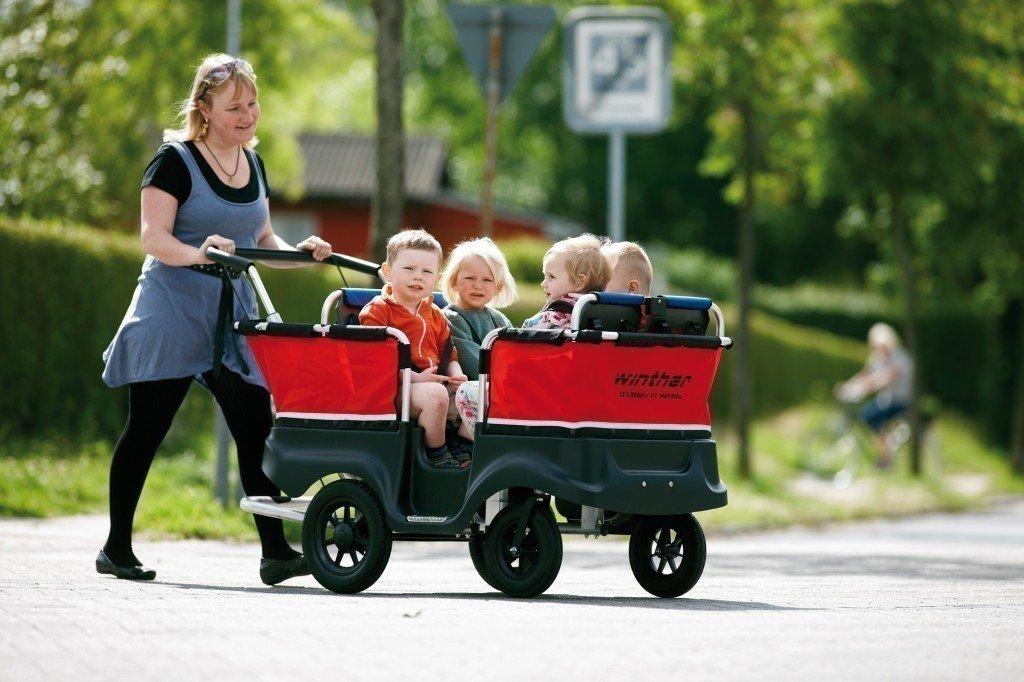 Turtle Kinderbus für 4 Kinder (Belastbarkeit: bis 80 kg Gesamtgewicht) von Winther günstig