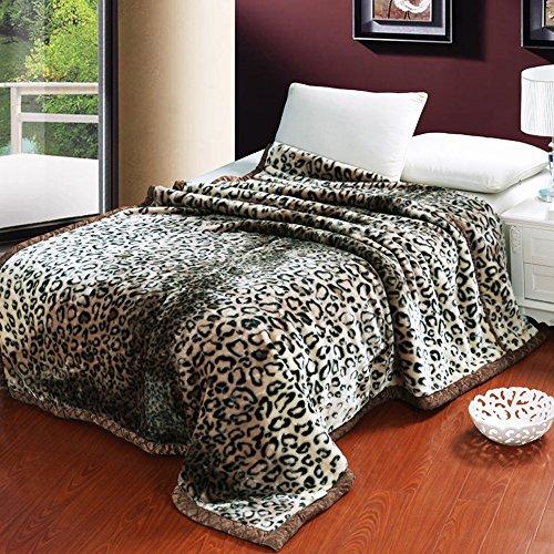 couvre lits en plumes shinemoon 0605749115062 moins cher en ligne maisonequipee. Black Bedroom Furniture Sets. Home Design Ideas