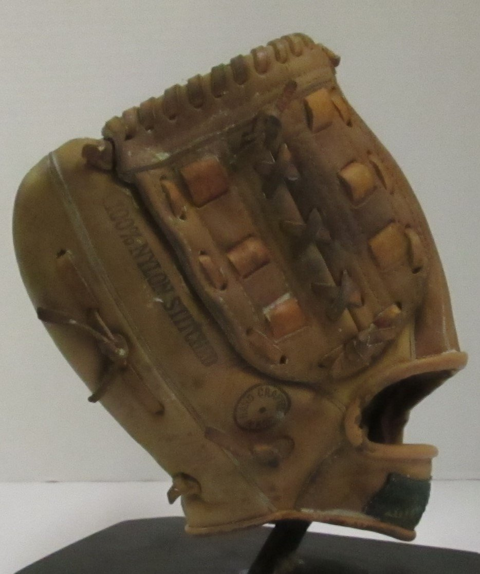 VINTAGE JOE PEPITONE SIGNATURE MODEL BASEBALL GLOVE FROM
