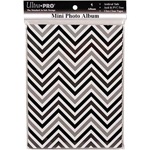 Ultra Pro 58204-R Mini Photo Album, 4 By 6-Inch, Chevron Black/White front-734096