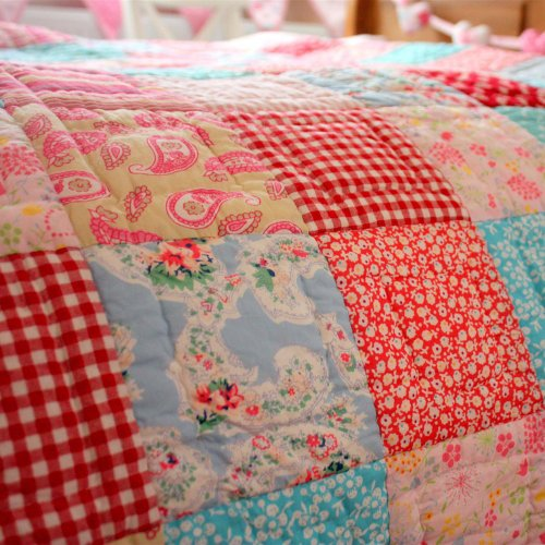 Pink Paisley Bedding 8481 front
