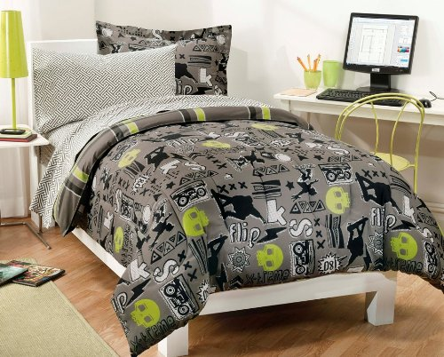 Dream Factory Extreme Skateboarding Boys Comforter Set With 180Tc Sheets, Full, Gray