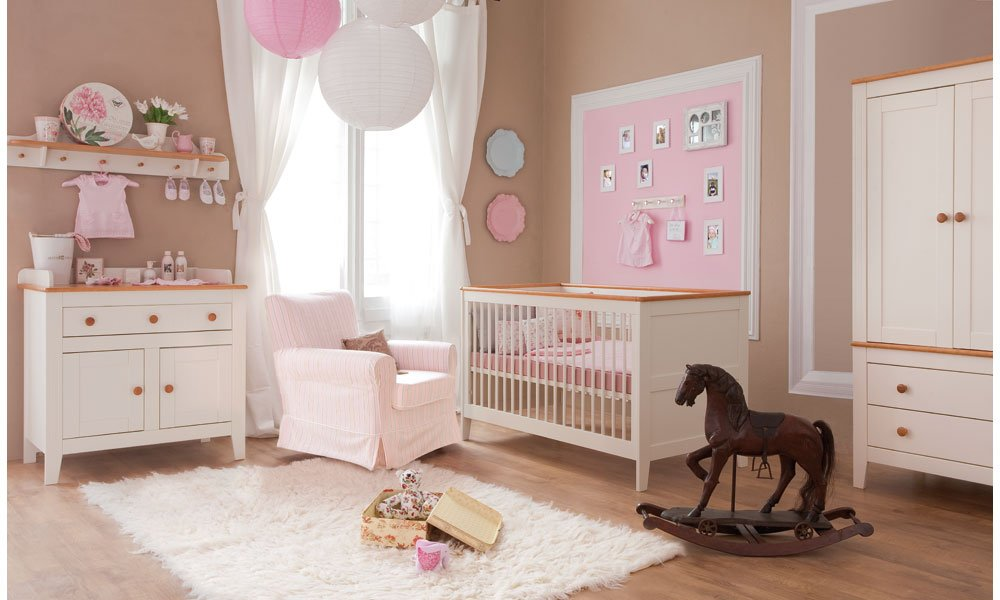Babyzimmer Kinderzimmer 'ROYAL Creme' Babymöbel Set 4tlg komplett Schrank 2-türig Babybett Wickelkommode Wandregal online bestellen