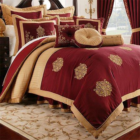 Crest Comforter Set, Queen