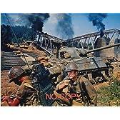 大きな写真「戦略大作戦」イーストウッド、墜ちた橋と戦車