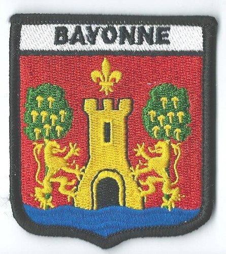 Bayonne-France-cusson-EXCLUSIVE-pour-Parure-cadeaux