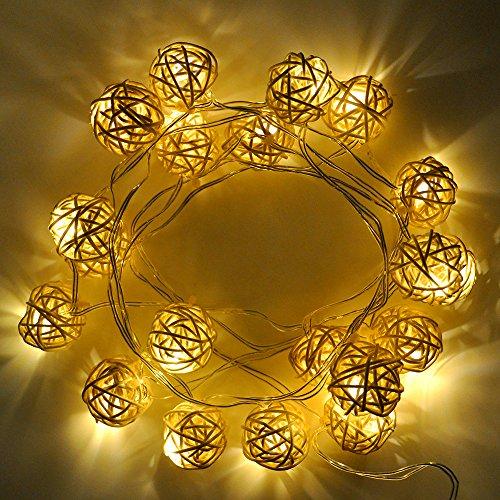 Princeway LED Batteriebetriebene Lichterkette Die Dekoration von Weihnachtsbaum, Halloween und Hochzeitsfeier- 20X LED Sepak Takraw/Kette- Betrieben von 3AA Batteriekasten mit 2X Einstellbare Leuchtvarianten- Warm Weiß Beleuchtungsfarbe