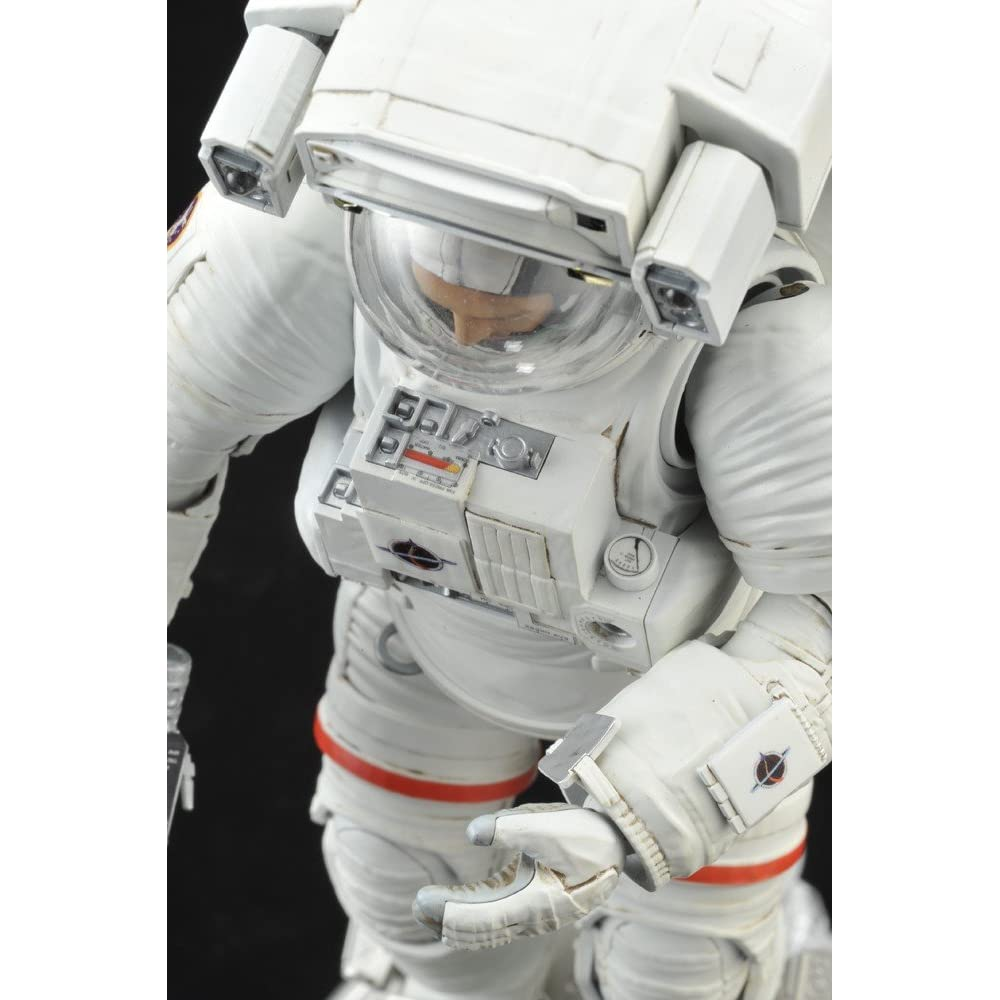 Bandai Hobby ISS Space Suit Extravehicular Mobility Unit 1/10 Exploring Lab 61D9WyLzwZL._AA1000_