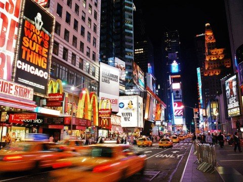 New York - Broadway Bei Nacht,