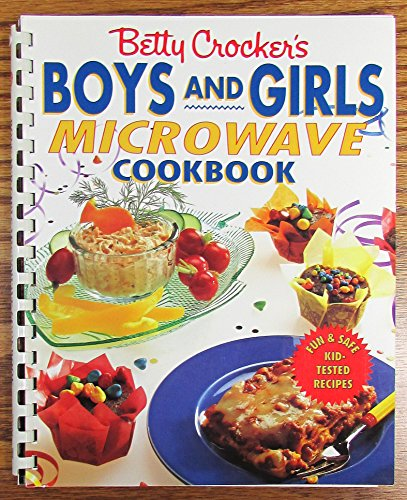 Betty Crocker's Boys and Girls Microwave Cookbook (Betty Crocker Kids Cook compare prices)