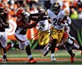 "Le'Veon Bell Pittsburgh Steelers Autographed 8"" x 10"" Stiff Arm vs. Bengals Photograph - Fanatics Authentic Certified"