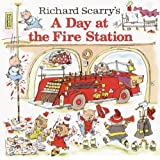 Richard Scarry's A Day at the Fire Station (Pictureback(R)) ~ Richard Scarry