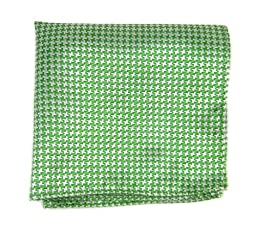 100% Woven Silk Kelly Green and White Big Tooth Patterned Pocket Square