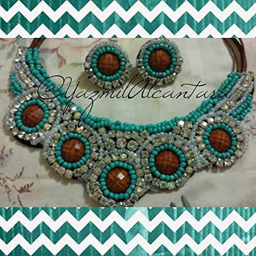 Amazon.com: Collar con aretes: Handmade