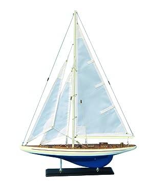 Maquette de bateau en bois Enterprise