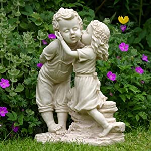 Girl And Boy Garden Statue Ornament Amazon Co Uk