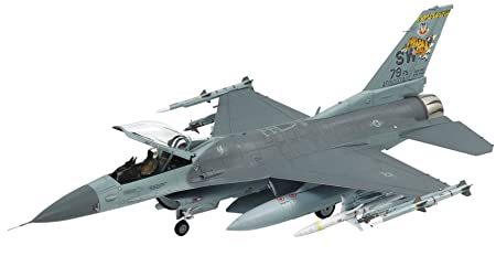 Maquette Lockheed Martin F-16CJ Block 50 Fighting Falcon w/Full Equipment