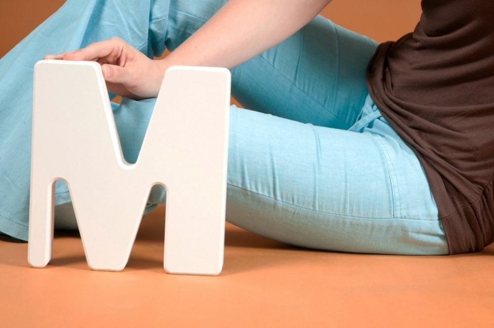 """Zum Basteln und Dekorieren: Buchstabe """"M"""" des XXL- Alphabets in Weiß, zum Stellen, Höhe 24cm, ABC aus Holz online bestellen"""