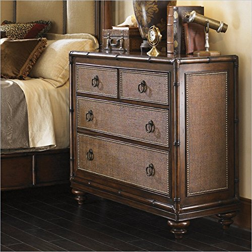 Bachelor Chests Bedroom front-401582