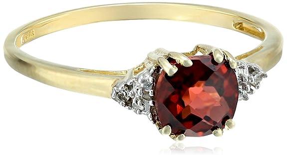 0k-Yellow-Gold-January-BirthStone-Garnet-and-Diamond-Ring