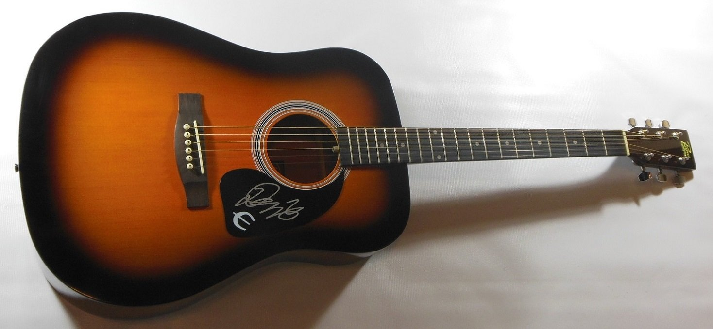 Demi Lovato Unbroken Skyscaper Signed Autographed Full Size Sunburst Acoustic Guitar Loa signed tfboys jackson karry roy autographed photobook official version freeshipping 3 versions 082017