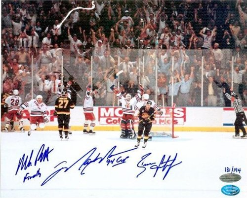 Autograph Warehouse 15798 Mark Messier, Brian Leetch & Mike Richter Autographed 8 x 10 Photo New York Rangers 1994 Stanley Cup Champions The Moment Of Victory On Ice At Msg