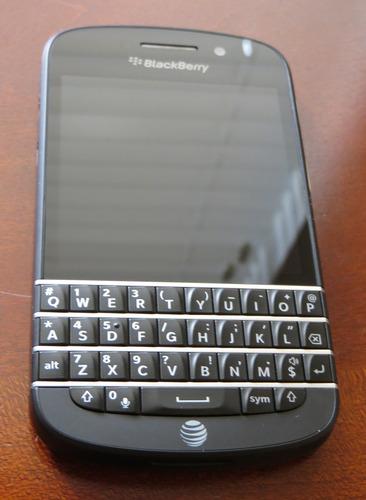 Amazon.com : Blackberry Q10 Black 16GB Factory Unlocked, International Version - 4G / LTE 3, 7, 8, 20 (1800 / 2600 / 900 / 800 MHz) : Unlocked Cell Phones