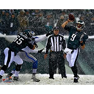 Nick Foles Philadelphia Eagles Autographed 16'' x 20'' Snow Throw Photograph with Snow Inscription - Memories - Mounted Memories Certified