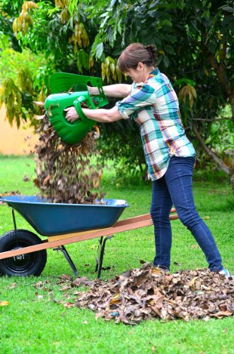 Releaf leaf scoops ergonomic large hand held rakes for for Big hands for gardening