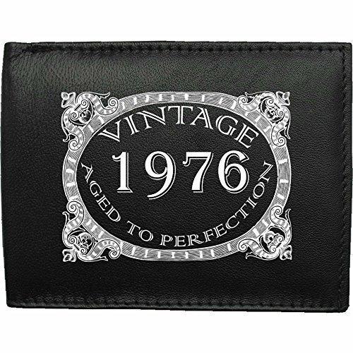 1976-millsime-mri-g--la-perfection-Portefeuille-Pour-Hommes-En-Cuir-Noir-cuir-velours-image-imprime-wallet-cadeau-prsent-humour-plaisanterie-blague-plaisanterie-drle-humoristique
