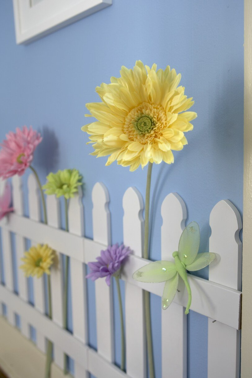 Wall Art For Garden Rooms : White wooden picket fences for kids room wall border