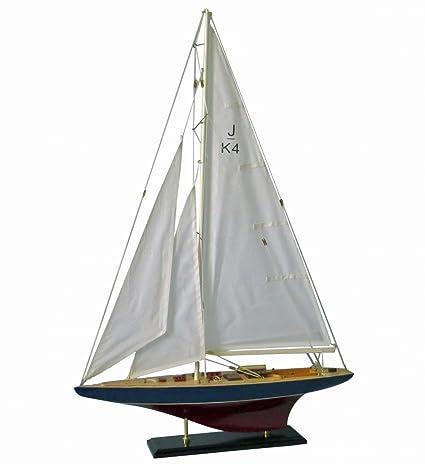 Maquette de bateau en bois Classe J