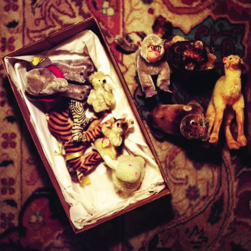 12 X 12 In. Unframed Aline Smithson Steiff Animals And Box front-1001097