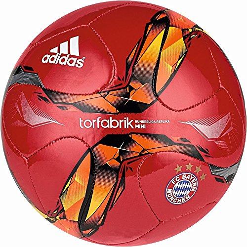 adidas, pallone da calcio del FC Bayern München, parte superiore: rosso/bianco/oro solare/arancione solare; parte inferiore: rosso solare/nero, 1, A95571
