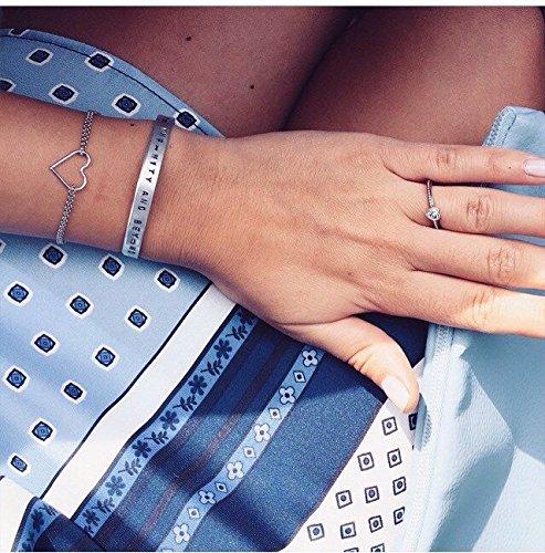 bracciale-rigido-in-alluminio-con-incisione-realizzata-a-mano