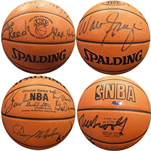 1970 New York Knicks Team-Signed authentic pro Basketball Steiner COA